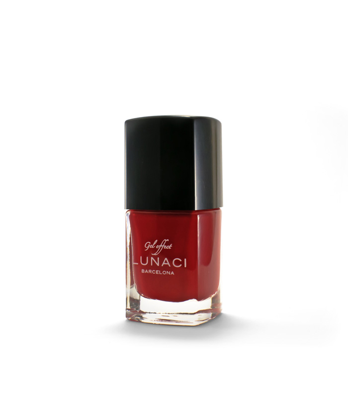 nailpolish-dark-red-35-1